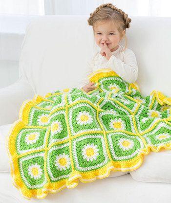 ふち編みを施して、ひざ掛けやブランケットにしてみましょう。デイジーのモチーフは、グラニー編みと相性ぴったりです!