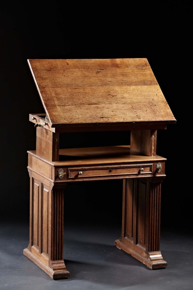 Arts and crafts desks - An Arts And Crafts Period Oak Drafting Table With Adjustable Slope