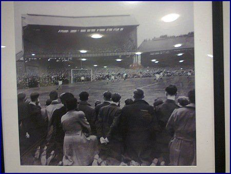 At CPO AGM this photo of past Stamford Bridge caught my eye in the Drake Suite (27/01/17).