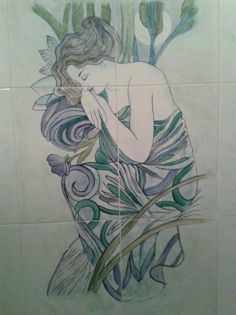 donna su piastrelle by Sara Carugati