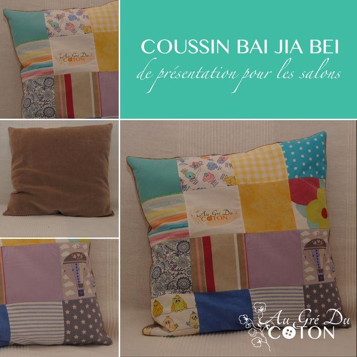 Coussin BAI JIA BEI Assemblé en avril 2014 Dimensions : 40 cm x 40 cm Dessous du coussin : Jersey de coton, couleur taupe Evènement : Présentation dans les salons