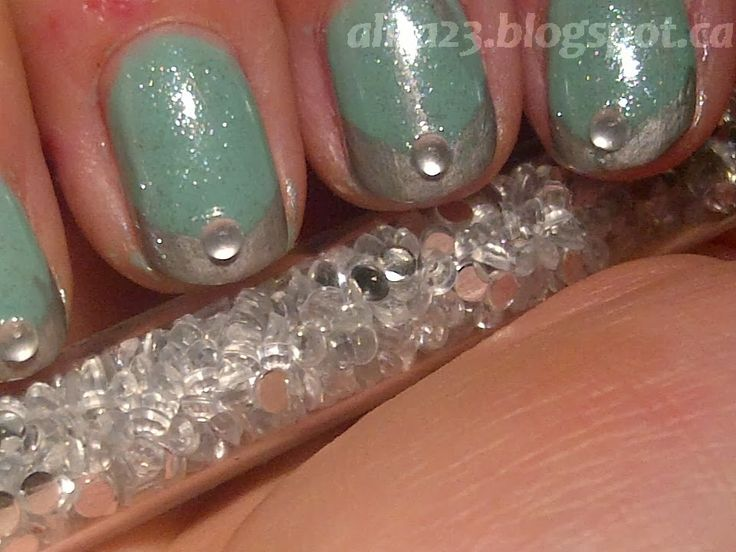 Sally Hansen Jaded   studsSally Hansen Jaded