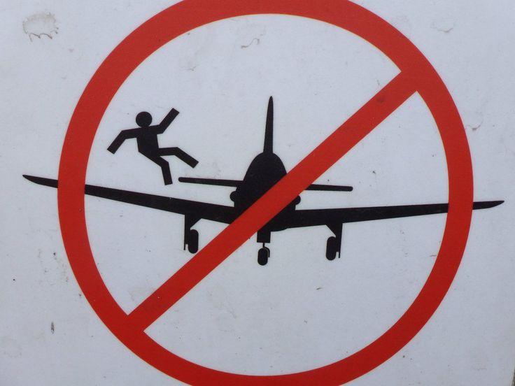 Please don't jump from the plane, Warsaw, Poland #funny / Merci de ne pas sauter de l'avion. Varsovie, Pologne #drôle