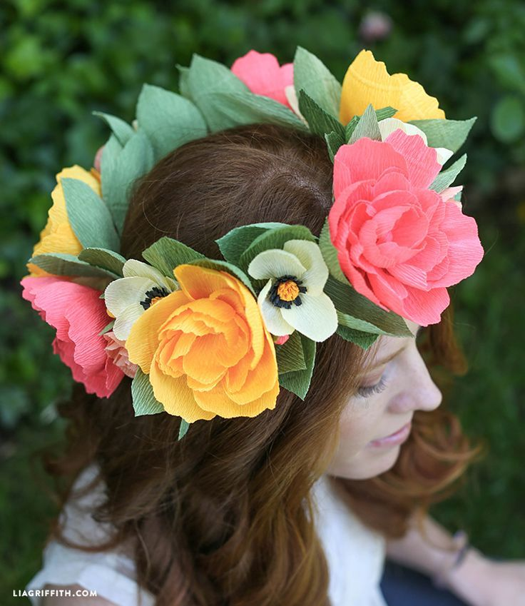 Follow this step by step paper flower headband tutorial to make your own flower wreath. Perfect for a bride, flower girl or for a summer solstice party.