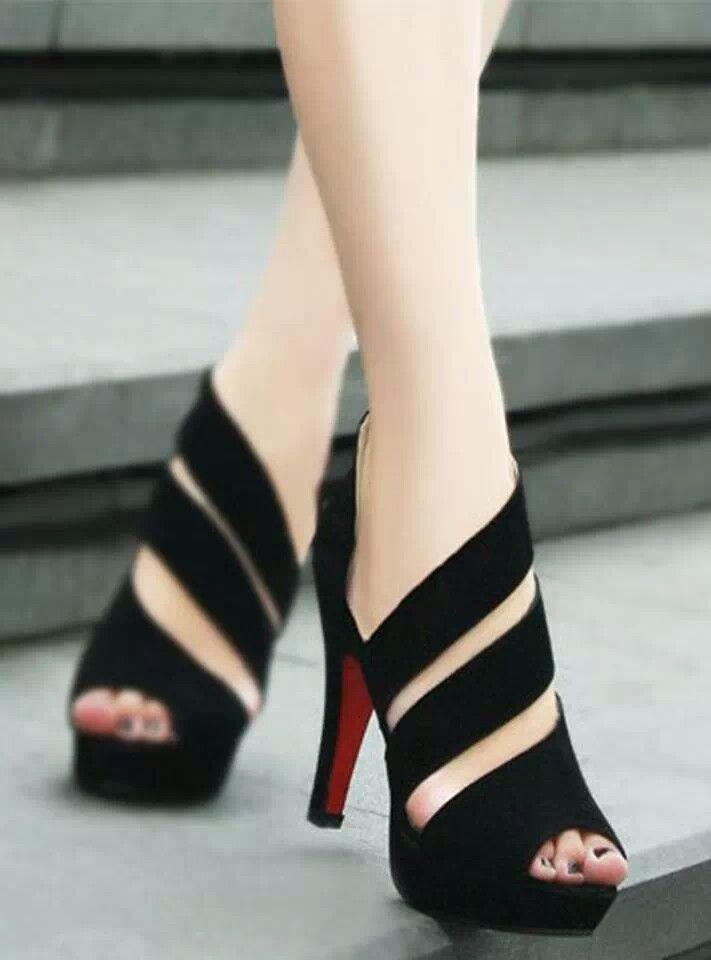 Lineas que hacen de este zapato diferente, y necesario.
