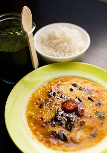 Tomato Tadka Dal with Hari Tamatar ki Chutney