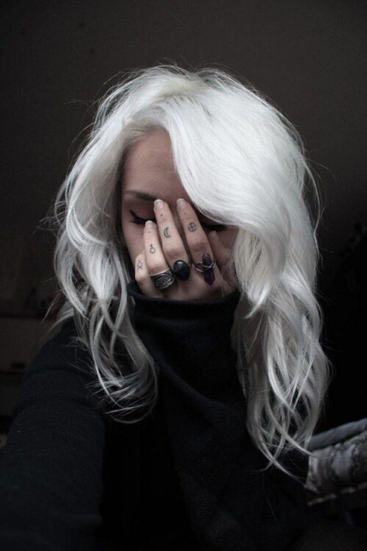 Картинки с белыми волосами на аву