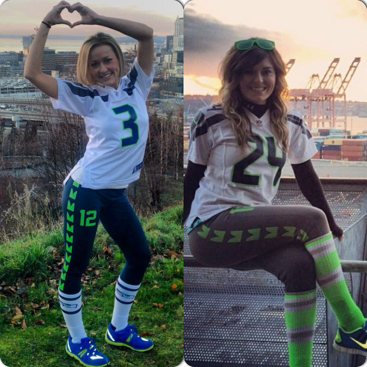 Seattle Seahawks inspired yoga pants. Goes great by SeattleFashion, $32.95