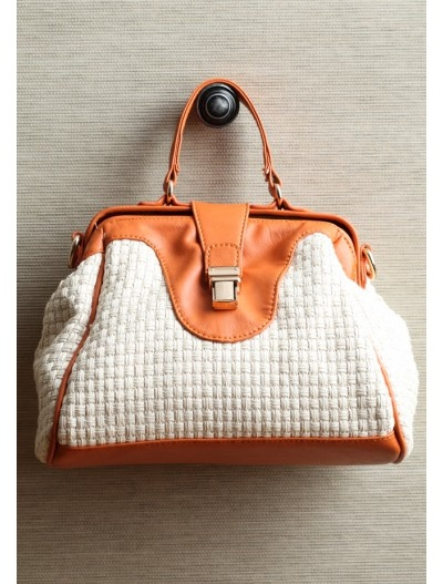 love the texture of this one: White Pur, Color Hardware, Straws Purses, Summer Bags, Stories Straws, Woven Purses, Accessories Purses Etc, Picnics Stories, Summer Purse