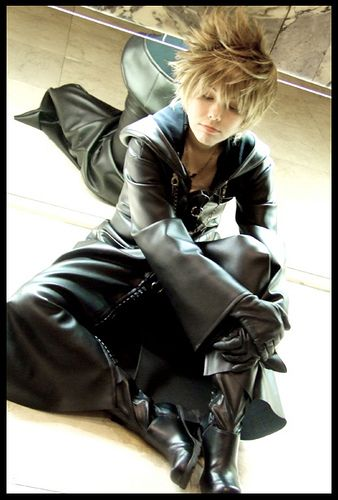 Organization XIII cosplay at Anime Expo : DualWielder as Roxas from Kingdom Hearts 2 by orgXIIIorg, via Flickr