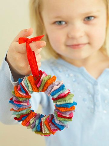 mini felt wreath. Would look neat to have cut all the felt with pinking shears also.