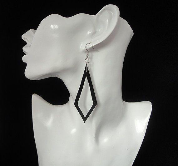 Zwarte oorbellen / Oorbellen / vrouwen van AnnesSierraad op Etsy