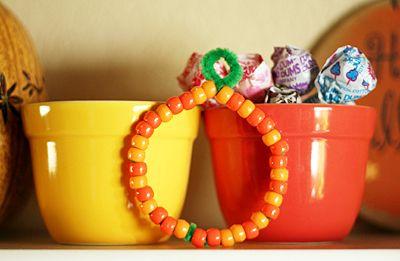 Beaded pumpkins for kids - simple and inexpensive craft. Good manipulative for preschooler.