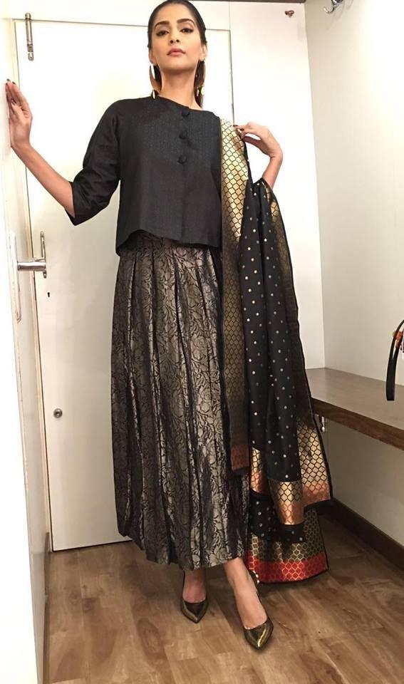 By Ekaya. Bridelan - Personal shopper & style consultants for Indian/NRI weddings, website www.bridelan.com #traditional #banarasi #weavesofbanaras #regal #royal #varanasiweaves #banarasirevival #indianwedding #indianwear #banaras