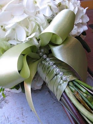 Crafty idea for a bouquet ~ looks so elegant and so easy from Valley Flower Company