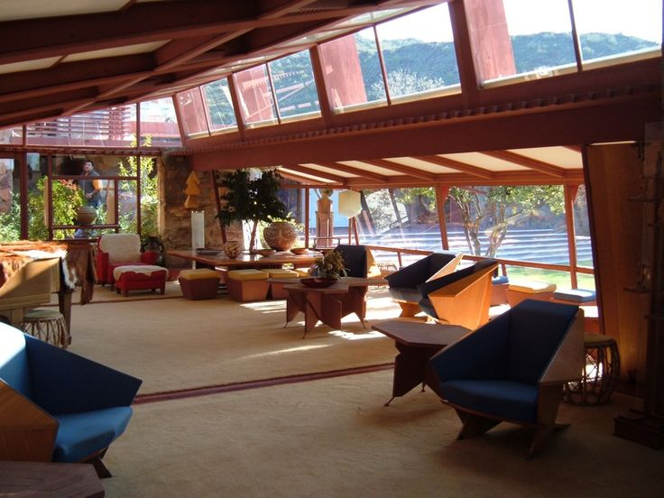 Interior of taliesin west in arizona by frank lloyd wright for Frank lloyd wright interior designs