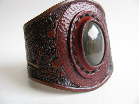 "Leather Cuff / Cabochon / 7 1/2 """