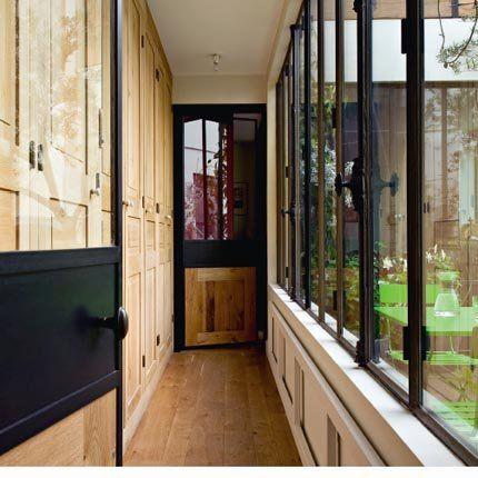 Couloir dressing en bois - Marie Claire Maison