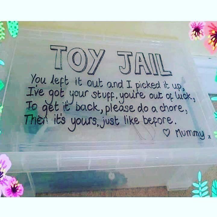 Dieser lächerlich einfache Hack stellt sicher, dass Ihr Kind sein Spielzeug sauber hält