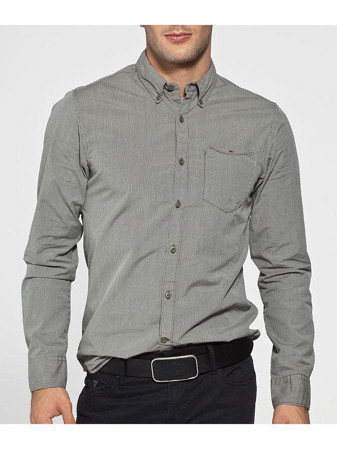 Koszula w delikatny prążek w oliwkowym kolorze Guess Jeans 269 PLN #sale #limango #guess #fashion #men