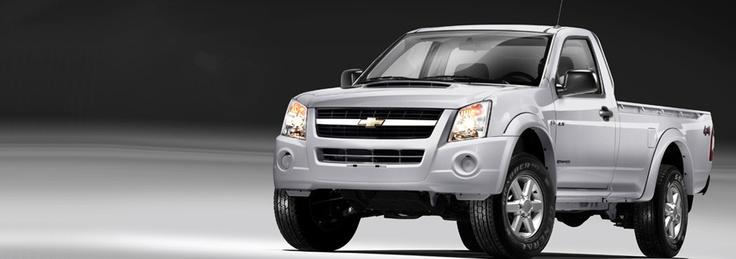 Cuarta imagen (18/02/2013): ¿Con qué tipo de dirección cuenta nuestra Chevrolet Dmax 4X4? #ChevroletNoSeDetiene