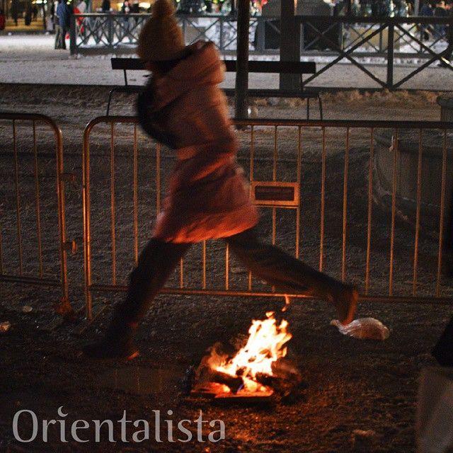 Nästa vecka välkomnar vi #våren med #eldfest inför det nya året. Hoppa över #eldar, säg hej då till det som varit och välkomna det som kommer. #Fester med inslag av dans, musik, sång, mat, eld och massor av annan underhållning arrangeras på flera ställen runt om i #Sverige. Kolla på www.orientalista.se.  Foto: @leosutic  #chaharshanbesuri #Eldfesten #norouz #newroz #persisktnyår #kurdisktnyår #gottnyttår #nouruz #chaharshanbehsoori #eldfesten2015 #eldfest2015
