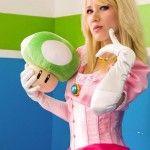 Você precisa ver isso do dia: Cosplay pin-up da Princesa Peach do game Super Mario