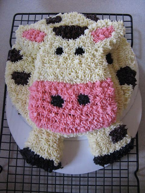 Cutest cow cake ever