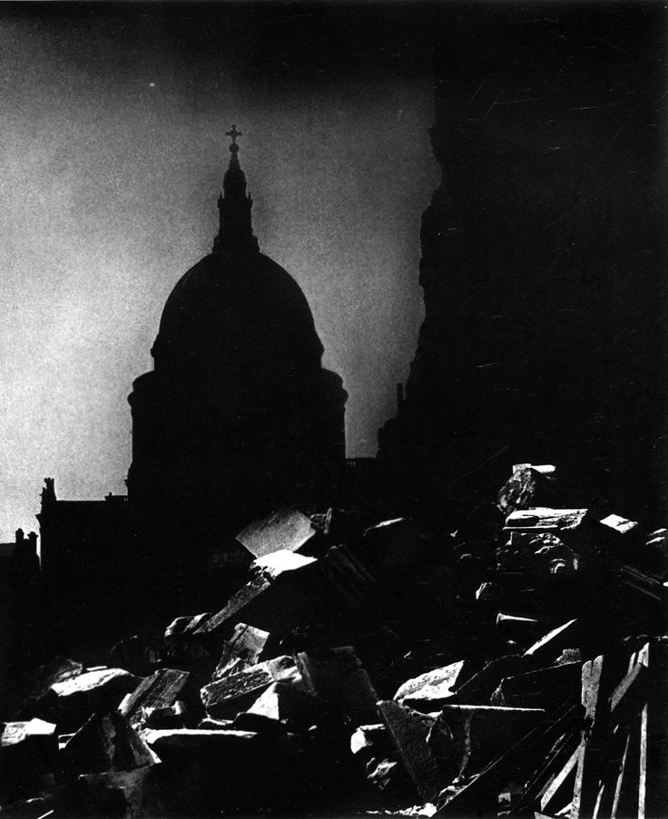 Bill Brandt: St. Paul's Cathedral in the Moonlight, 1939.