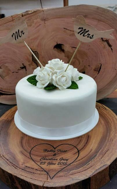 custom made by Willems Woodwork Tree slab cake stand