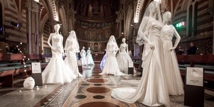 """#moda sposi: L'ottava edizione capitolina di """"RomaFashion White"""" ha portato sotto i riflettori le ultime tendenze per un matrimonio da Favola.http://www.sfilate.it/237894/idee-e-spunti-per-un-matrimonio-da-favola-con-lottava-edizione-di-romafashion-white"""