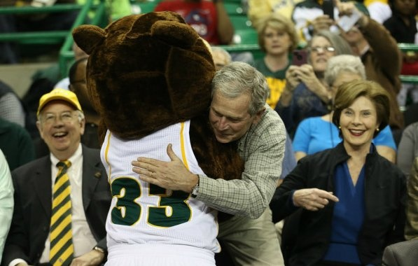 Former President George W. Bush (and wife Laura) joined Judge Ken Starr, Bruiser Bear and almost 10,000 other #Baylor fans at the Ferrell Center for the Lady Bears NCAA tournament win Tuesday night. #sicem