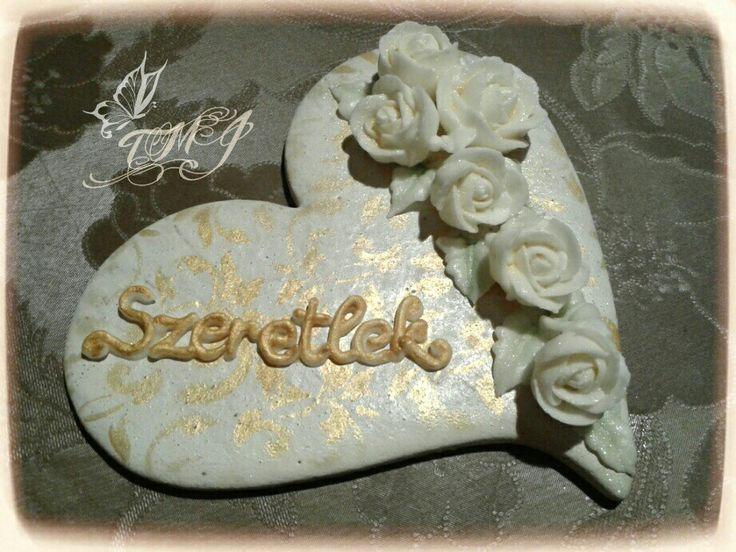 Romantikus rózsás szívküldi. :) Romantic roses present for your love by TMJcreative. @TMJcreative