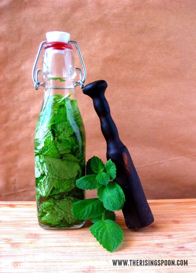 Learn how to make a mint extract with fresh peppermint and your favorite clear liquor. Homemade extracts are perfect for holiday gifts and cost less than store-bought extracts! It's also a good way to use up the summer harvest of mint leaves.