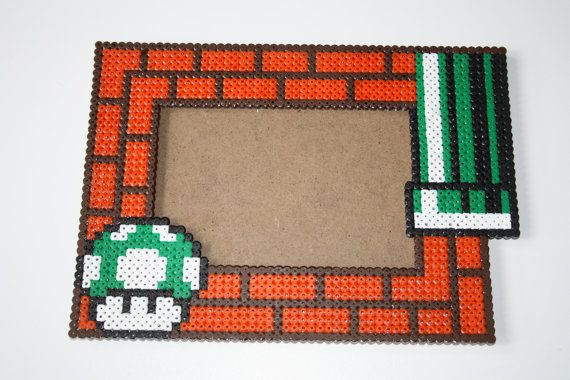 Photo frame Super Mario Bros Green Mushroom 1 up hama perler beads by DecorarteLeon