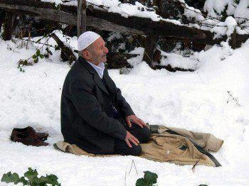 "shalat. ""Love comes before obedience."" ~Shaykh Ahmed Babikir"