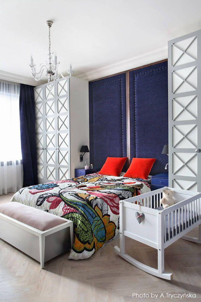Odważny projekt sypialnii w kamienicy: styl Eklektyczny, w kategorii Sypialnia zaprojektowany przez MG Interior Studio Michał Głuszak