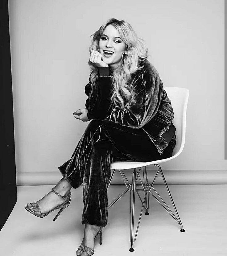 best 20 zara larsson instagram ideas on pinterest rihanna sans maquillage jolies filles nues. Black Bedroom Furniture Sets. Home Design Ideas
