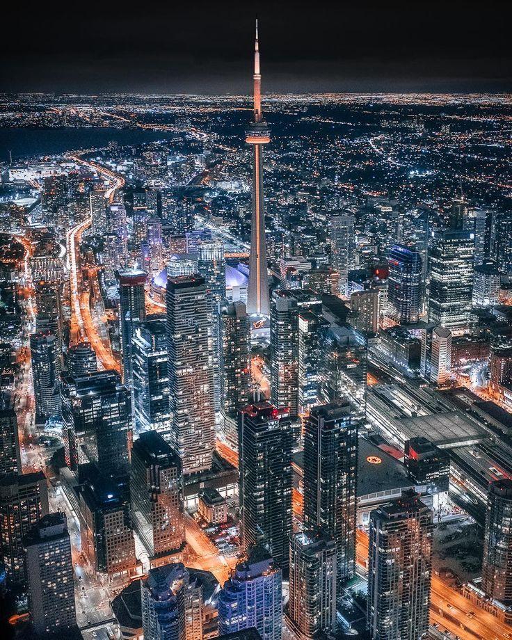***Toronto (Ontario) byMike (@mindz.eye) on Instagram
