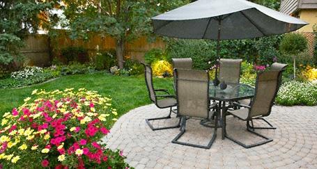 Simple landscaping: Google Image, Backyard Ideas, Outdoor Ideas, Backyard Landscaping, Garden Ideas, Backyard Fun, Backyard Outside, Outdoor Spaces, Patio Ideas