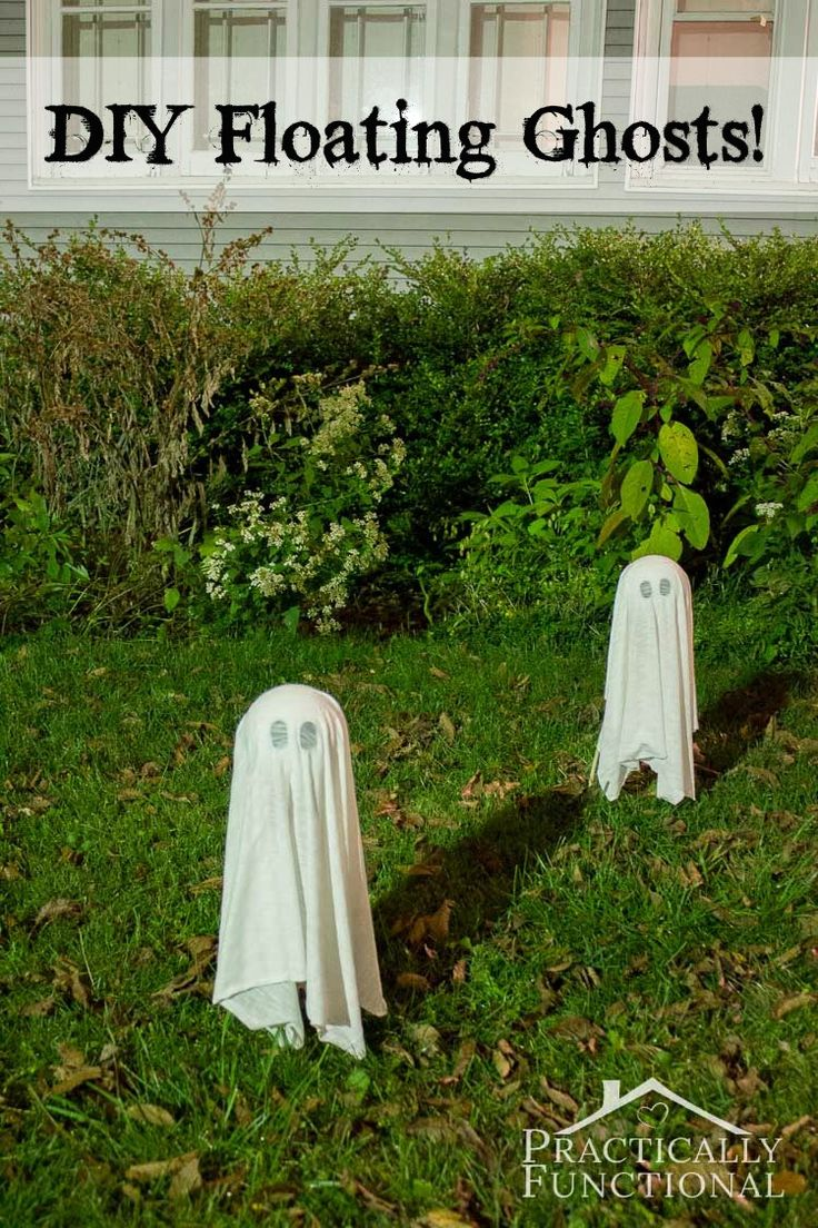 These DIY floating halloween ghosts take less than ten minutes to make. Perfect last minute Halloween yard decoration!