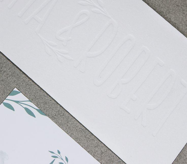 Ganz besondere und haptische Einladungskarten im Letterpress. Buchdruckprägung als Einladung für eure Hochzeit www.pixelmeetslove.de