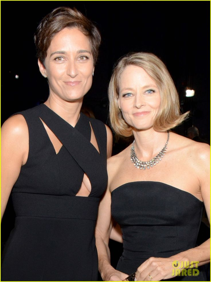 Jodie Foster Attends Emmys 2014 with Wife Alexandra Hedison! | jodie foster wife alexandra hedison emmys 2014 02 - Photo
