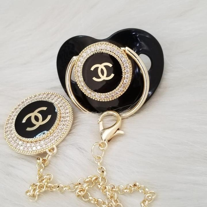 Fashion Inspired Paci & Clip Set