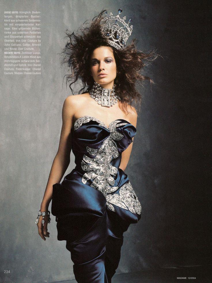 Christian Dior Fall 2004 Haute Couture    Königin der Nacht (Queen of the Night)Magazine: Madame December 2004 Photographer: Lothar Schmidt