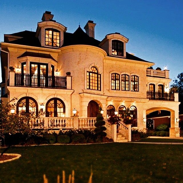 10 Mansions That Will Motivate You To Dream Big - http://positivitydosage.com/10-mansions-that-will-motivate-you-to-dream-big/