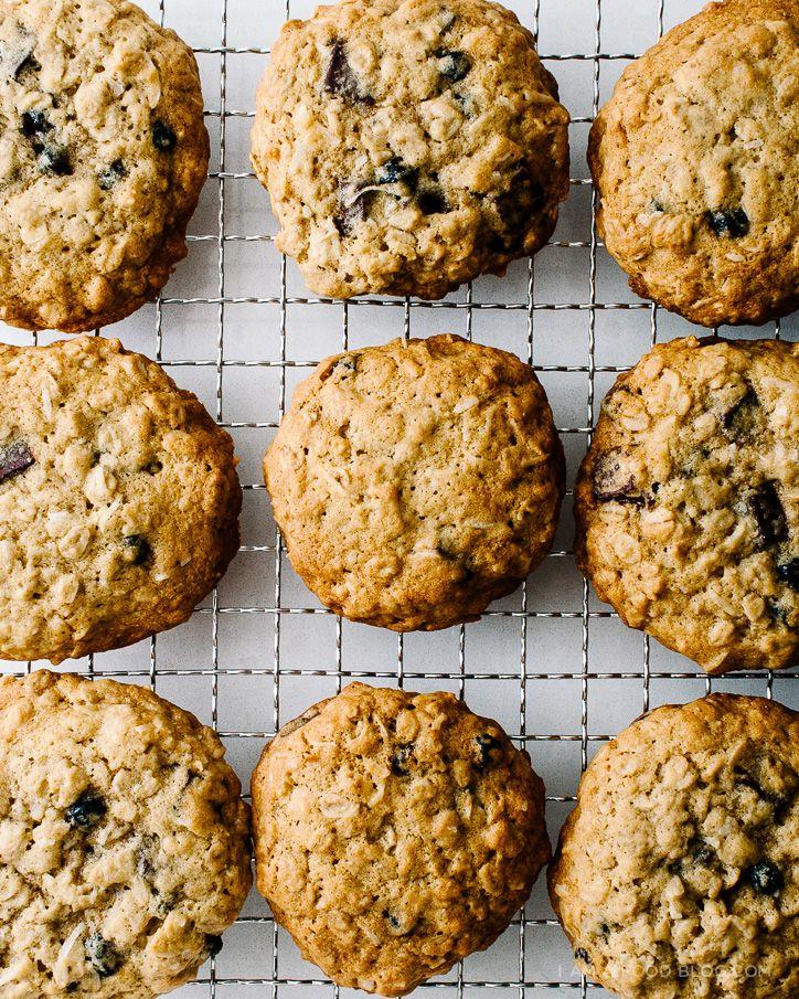 blueberry, coconut, dark chocolate oat cookie recipe / www.iamafoodblog.com