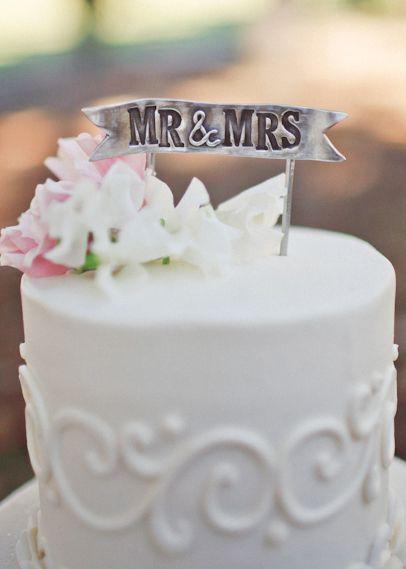 Vintage Bride ~ Pretty pewter wedding cake topper! ~ [vintagebridemag.com.au] ~ #vintagebride #vintagewedding #vintagebridemagazine