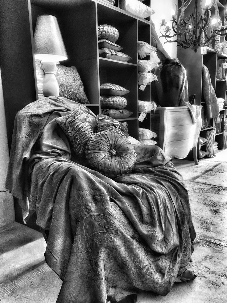 #Clothbymedina #cloth #fabric #linen #cushion #chair #handmade #bali #ubud #beautiful #black&white