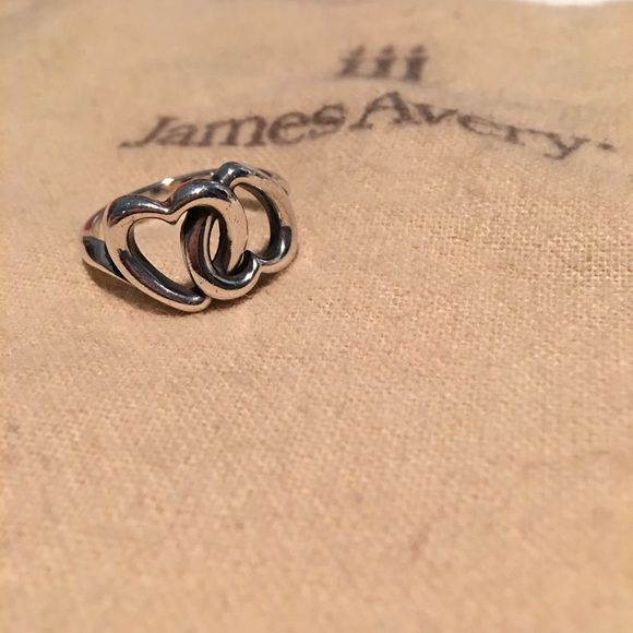 Authentic James Avery Heart Ring 100% authentic James Avery Heart Ring. Gently loved. Includes cleaning bag and box. Was a gift from an ex. Perf for Valentines! James Avery Jewelry Rings